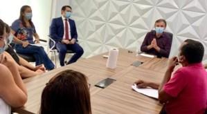 Prefeito Dedé Romão recebe sindicato e servidores da Saúde para diálogo sobre melhoras para a categoria