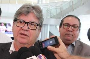 """ÁUDIO – Ronaldo Guerra manda recado para vereadores e diz que governador poderá decretar intervenção em Bayeux: """"A cidade não pode retroagir"""""""