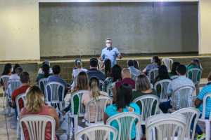 """Edilma tem experiência em gestão e sensibilidade para fazer mais"""", diz Cartaxo em Jaguaribe"""