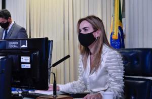 Daniella Ribeiro comemora resultado de reunião com ministro Paulo Guedes e donos de escolas privadas da PB