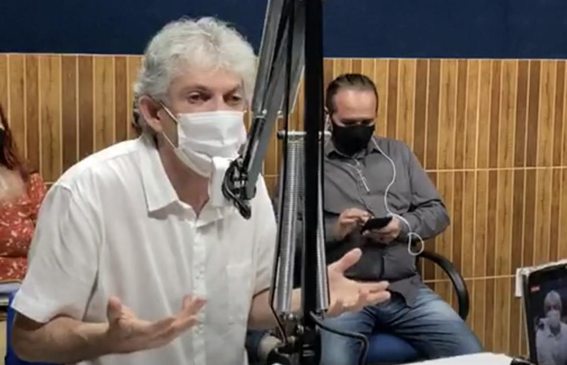 Ricardo Coutinho, hoje, durante entrevista na Rádio Difusora do Valentina.