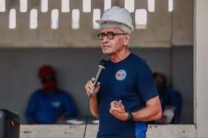 """Cícero Lucena retoma agenda e diz que 'é preciso enfrentar pandemia para preservar vidas e empregos"""""""