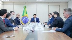 Senador Diego Tavares discute projetos nas áreas de inovação, ciência e tecnologia com Ministro das Comunicações