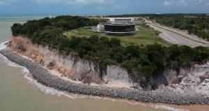Prefeitura de João Pessoa conclui fase da obra da Barreira do Cabo Branco