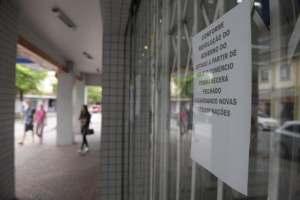Multas de até R$ 50 mil: Vigilância Sanitária anuncia multa a estabelecimentos comerciais que descumprirem protocolos