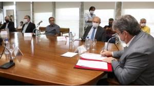 João Azevêdo assina decreto e garante incentivos fiscais para setor têxtil da região de Campina Grande
