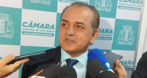 BASTIDORES: Desistência de Corujinha da disputa pela Presidência da CMJP pode trazer grandes surpresas na disputa