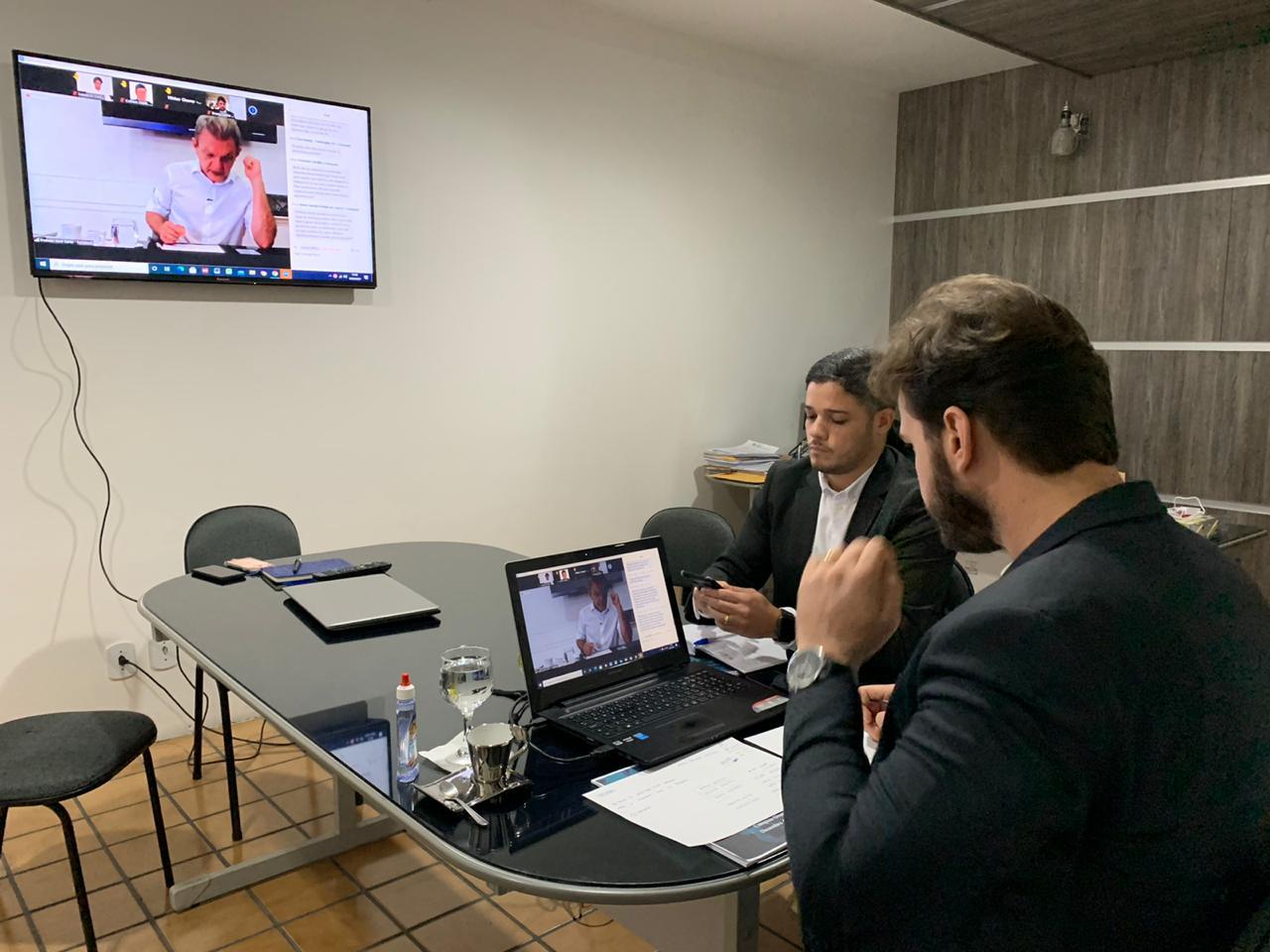 Bruno propõe ao Ministério da Saúde incluir trabalhadores da Educação entre os grupos prioritários nessa primeira etapa de vacinação