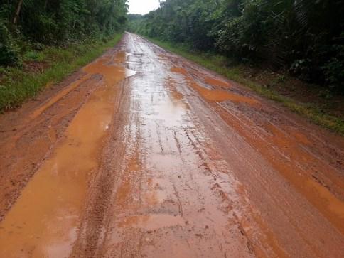 Estrada vicinal recuperada por empresa 'de fachada' não resiste às primeiras chuvas. Caso será investigado pelo Ministério Público