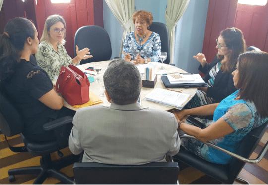 Corregedora Anildes Cruz recebeu em reunião a juíza Cristiana Ferraz.