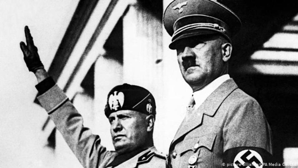 Mussolini-Hitler O Que é  o Fascismo