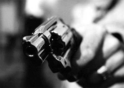 assalto_arma_revolver_sequestro_roubo1