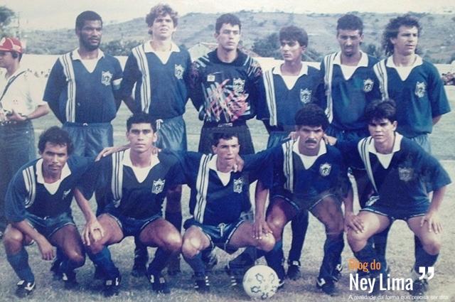 Em pé: Cícero, César, Carlos Eduardo,Marcelo, Raimundo e Mamá. Agachados: Durango, Caruaru, Flávio, Cacá e Valmir.