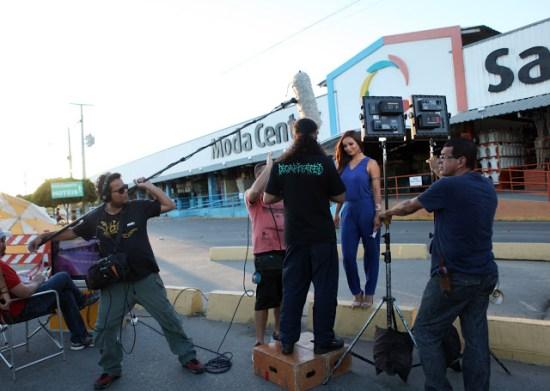 Nova garota propaganda do centro atacadista passou o dia em Santa Cruz do Capibaribe fazendo fotos e gravando vídeos que serão usados ao longo deste ano.