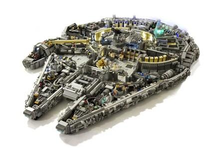 lego-star-wars-millennium-falcon-10-000