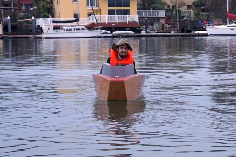 Sail Away On DIY Electric Mini Boat Made With 3D Printing And Laser Cutting