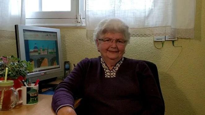 grandmother-microsoft-paint-art-concha-garcia-zaera-spain (16)