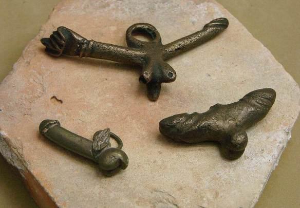 Amulettes_phalliques_gallo-romaines