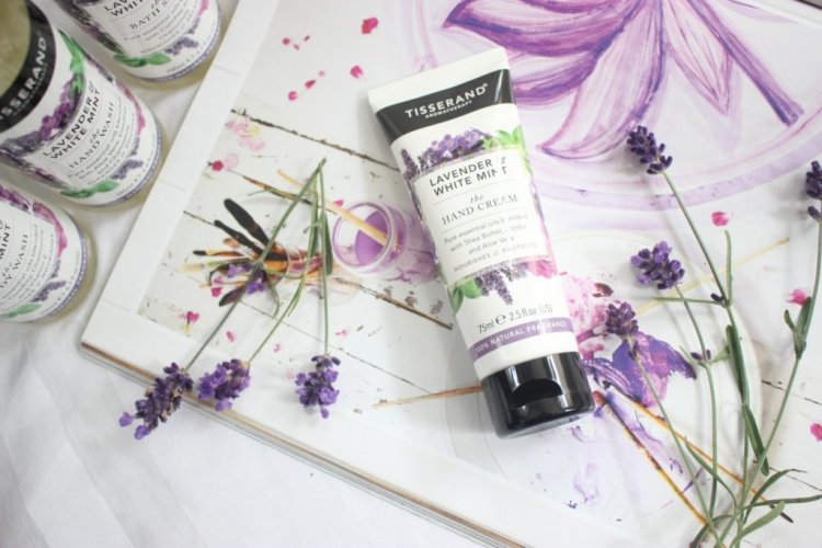 LAVENDER & WHITE MINT BATH & BODY LIJN VAN TISSERAND AROMATHERAPY HANDCREAM