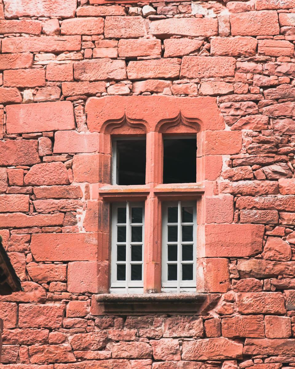 Collonges-la-Rouge-janela