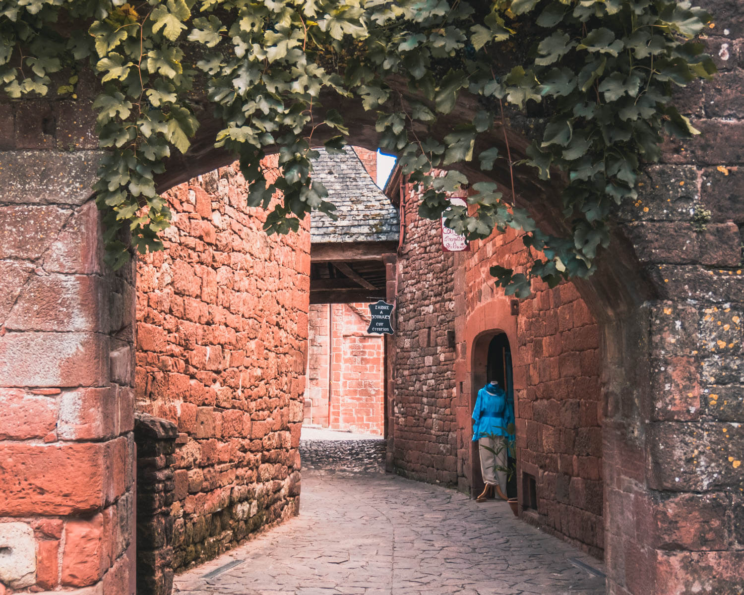 Collonges-la-Rouge-ruas