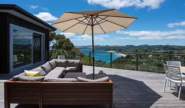 Luxury deck Waiheke