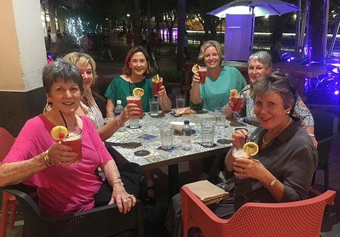 Drinking Singapore Slings in Robertson Quay