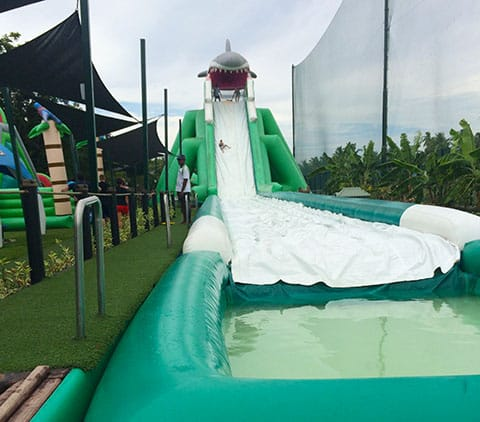Big Bula inflatable park