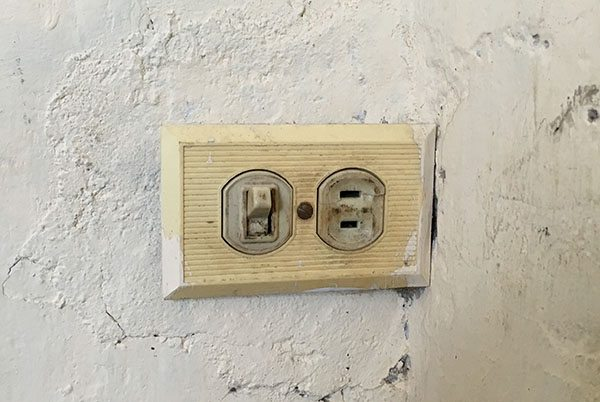 Power socket in Cuba