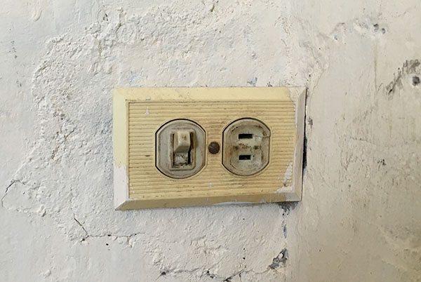 Power socket in Cuba
