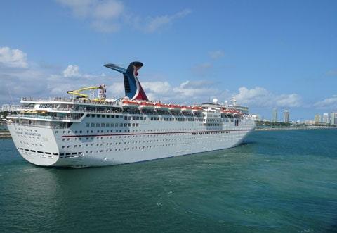 Carnival cruises leaves Miami
