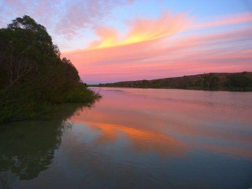 Unforgettable Houseboat Murray River sunset