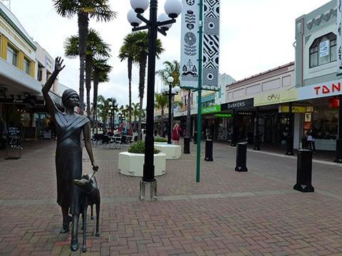 Napier bronze statue