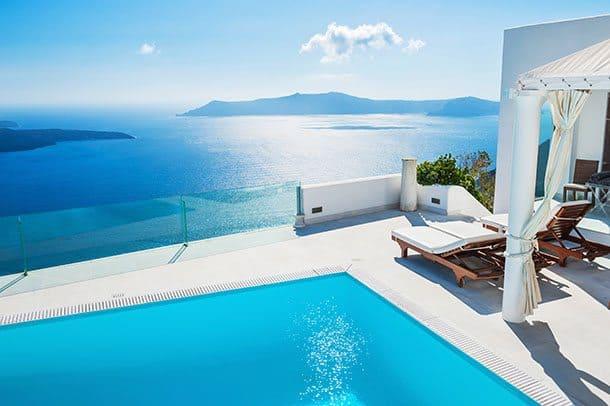 Santorini luxury hotel