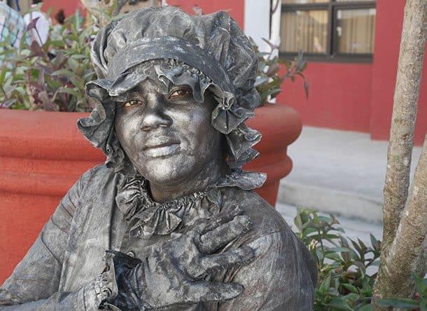 Street artist cuba