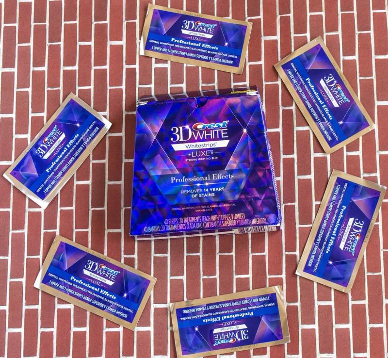 3D-crest-white-whitestrips-luxe-professional-effects-review (1)