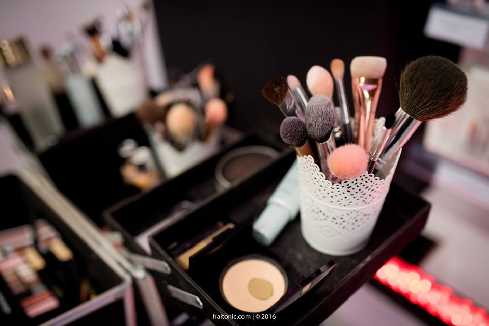 New Beauty Store in Town - Canar.ro with make-up