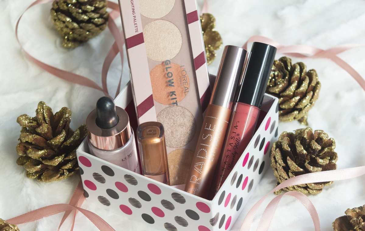 Make-up Essentials Kit for Christmas Party | Glowy Glam Look