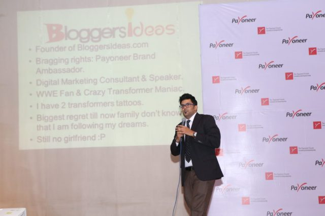 Jitendra vaswani blogger in India at payoneer forum delhi India