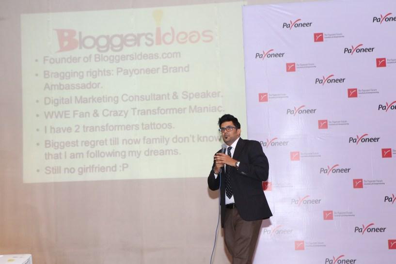 Jitendra vaswani blogger in India at payoneer forum delhi India