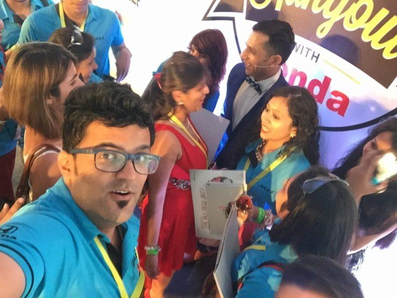 VJ Yudi crowded by girls