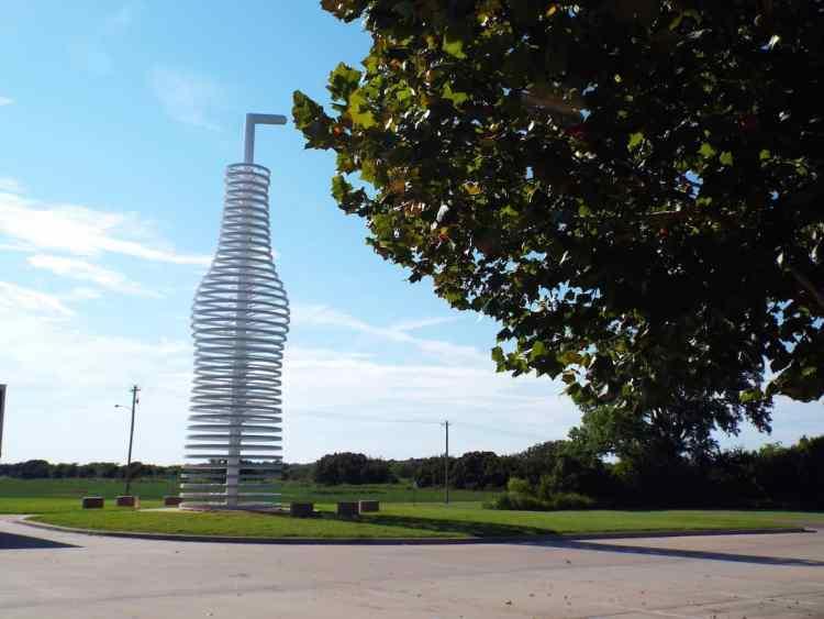 Oklahoma Pops Neon soda bottle sign on Route 66