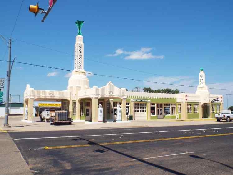Conoco U Drop Inn shamrock texas - inspiration for Cars the Movie