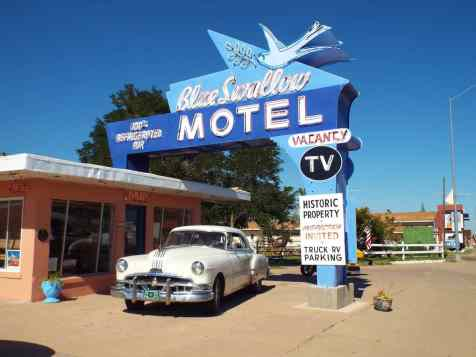 Route 66 mote and neon