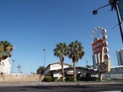 Holiday Motel Las Vegas sign
