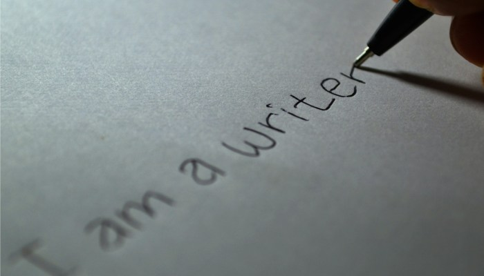 """Become an Exceptional Writer with Udemy's """"Writing with Flair"""" Course [FREEBIE ALERT]"""