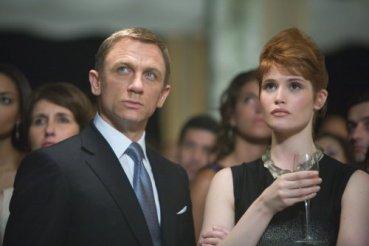 'James Bond' aprovecha el retraso de 'El Príncipe Mestizo'