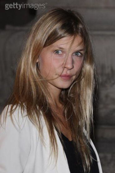 Imágenes de Clémence Poésy en la Fiesta de Exhibición de Patrick Demarchelier