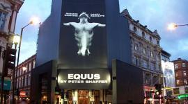 Teatro Crea Barrera para Proteger a Daniel Radcliffe de sus Fanáticas en Broadway