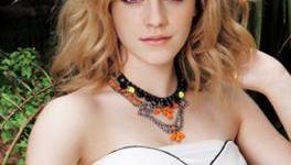 Emma Watson Habla de 'Las Reliquias', de 'Despereaux', y de sus Planes para Navidad